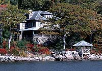 Shore Oaks Seaside Inn is dressed in the vibrant colors of fall.